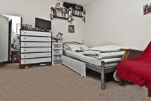 1 bed Apartment in Kingswood road, London...