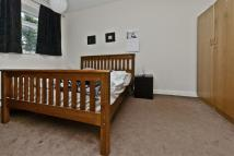 Maisonette to rent in Gleneldon Road, London...