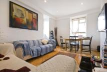 2 bedroom Apartment to rent in Balham New Road SW12