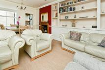 3 bedroom Apartment in Durnsford Road, London...