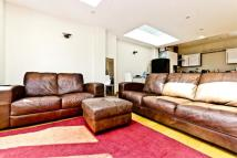 3 bed Apartment in Cavendish Road, Balham...