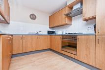 4 bed Apartment to rent in Fernlea road SW12
