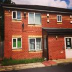 2 bed Ground Flat to rent in Parkhill Avenue...