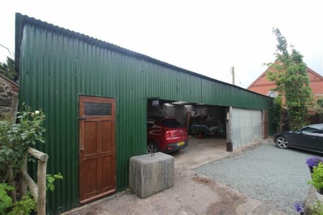 Garage / Workshop