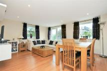 Flat to rent in Lamberts Road, Surbiton