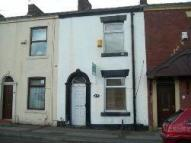 Terraced property to rent in Old Lane, Chadderton...