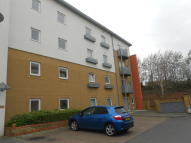 2 bed Flat to rent in Reeves House, Crawley