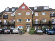 Flat in Lampson Court, Copthorne
