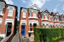 3 bed End of Terrace house in Altenburg Avenue, Ealing...