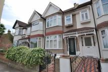 Northcroft Road Flat to rent