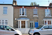 Terraced property to rent in Bedford Road, Ealing...