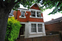 Wellington Road semi detached house to rent
