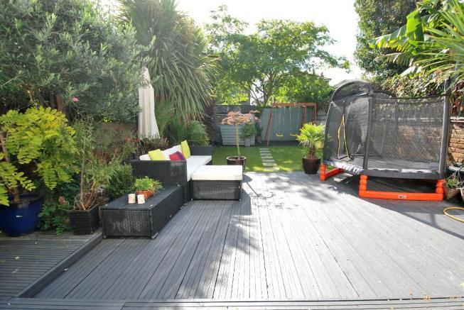 Southerly Facing Landscaped Garden