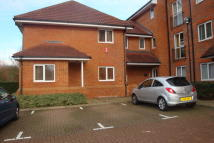 Maisonette to rent in Coopers Court...