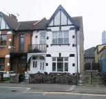 2 bed Flat for sale in Glenwood Avenue...