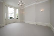 Flat to rent in Ladbroke Terrace...