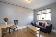 Flat to rent in Brewster Gardens...