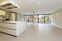 6 bed property in Brondesbury Road...