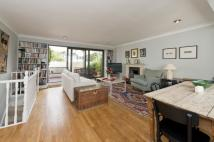 3 bed Flat in St. Stephens Gardens...