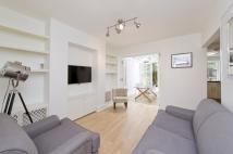1 bed Flat to rent in Chesterton Road...
