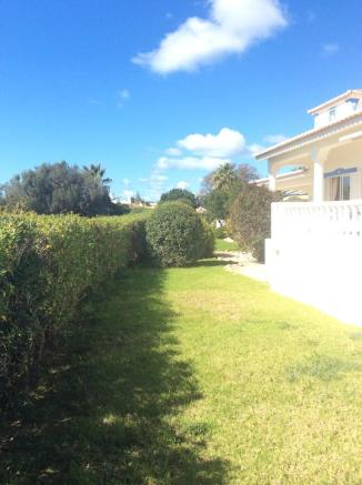 Garden sideview