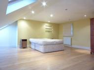 3 bed Flat to rent in Salterford Road, London