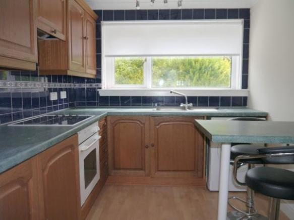855_Kitchen a.jpg