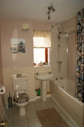498_Bathroom.jpg
