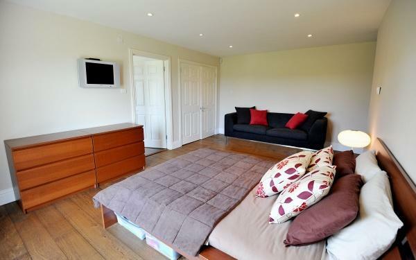 882_Bedroom 2.jpg