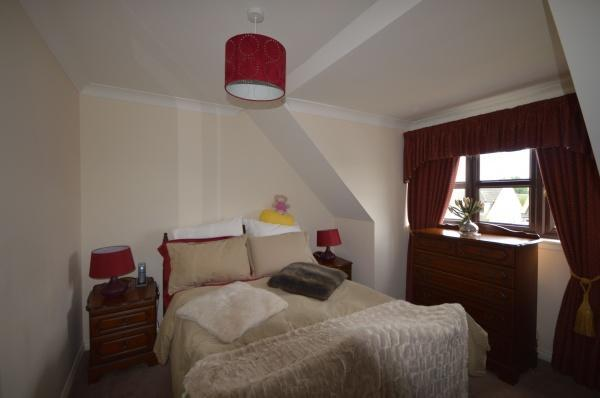 886_Bedroom 1.jpg