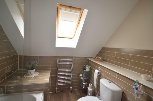 886_Bathroom.jpg