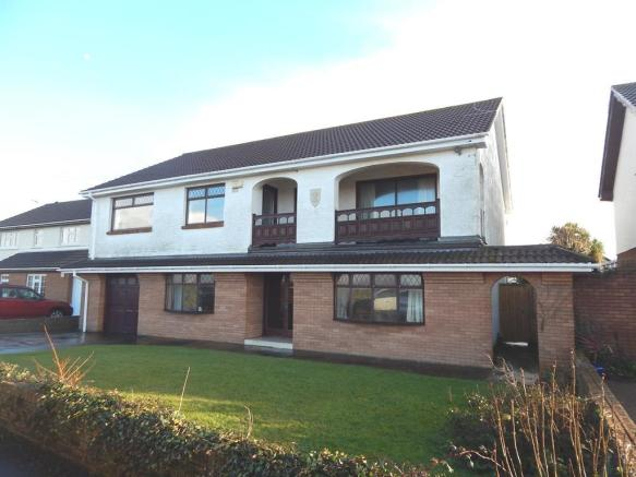 4 Bedroom Detached House For Sale In Locks Lane Porthcawl Cf36
