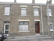 Terraced home to rent in Osterley Street...