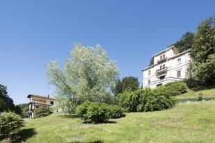 Villa & Guest House