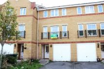 4 bed Town House in Armoury Drive, Heath...