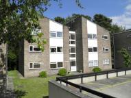 Apartment in Woodside Court...