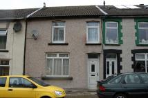 3 bedroom Terraced property to rent in Elm Street, Aberbargoed