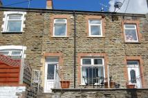 2 bedroom Terraced house to rent in Queens Road...