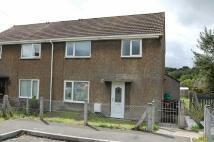 3 bed semi detached house in Overdene, Pontlanfraith