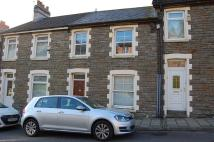 2 bed Terraced house in Commercial Road...