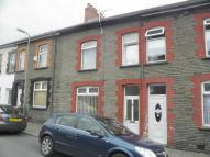 Terraced property to rent in Lower Francis Street...
