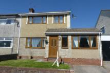 3 bedroom semi detached house in Heol Dehewydd...