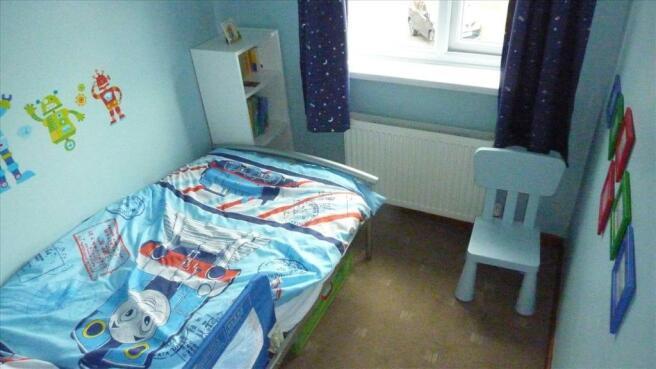 BEDROOM 2(REAR)