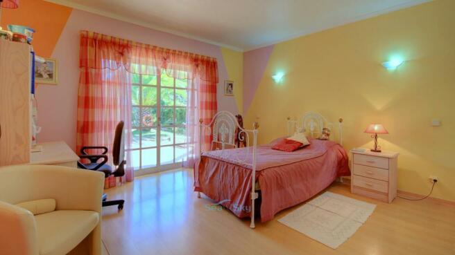 Bedroom 2 by pool