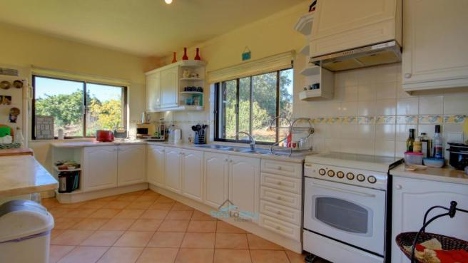 Well-fitted kitchen
