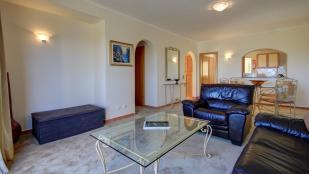 Lounge facing kitchen & entrance