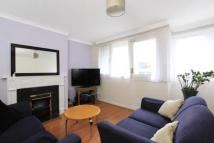 3 bedroom Flat in Llewellyn Street...