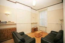 3 bed Flat to rent in Earls Court Road Earls...