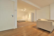 Studio flat in St. Martin'S Lane...