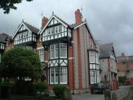 Flat to rent in Woodland Road East...